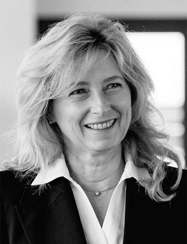 Claudia Kayser